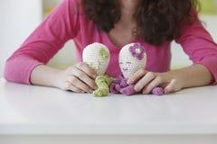 Jouets faits main drôles de poulpe faits avec la laine Photo stock