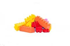 Jouets pour enfants colorés, blocs constitutifs en plastique Photographie stock