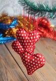 Jouets rouges et blancs de coeur Image stock