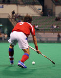 Joueur d'hockey dans l'action Image stock