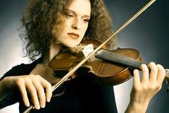 Joueur d'orchestre de violon Images stock