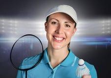 Joueur de badminton contre les lumières lumineuses Image libre de droits