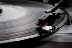 Joueur de disque de musique de vinyle de phonographe rétro Photographie stock libre de droits