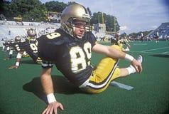 Joueur de football d'université faisant le bout droit pre-game à l'armée contre le jeu de Lafayette, stade de Michie, New York Je Photographie stock libre de droits