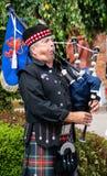 Joueur de pipeau écossais traditionnel photographie stock