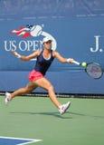 Joueur de tennis professionnel Varvara Lepchenko des Etats-Unis dans l'action pendant le deuxième match de rond à l'US Open 2015 Images stock