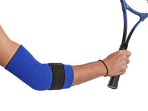 Joueur de tennis utilisant un bandage de coude Images libres de droits