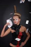 Joueur de tisonnier sexy avec la carte photos libres de droits