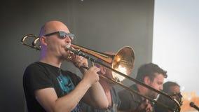 Joueur de trombone pour un concert de rock Image libre de droits