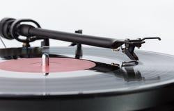 Joueur des disques de vinyle Aiguille sur le disque vinyle images libres de droits