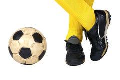 Joueur et ballon de football photographie stock libre de droits