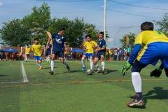 Joueurs cambodgiens dans l'action, Kampot cambodia images stock