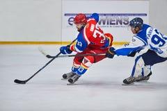 Joueurs d'hockey non identifiés Images stock