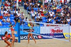 joueurs de volleyball de plage Photographie stock