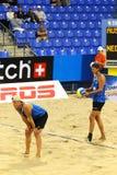 joueurs de volleyball de plage Photographie stock libre de droits