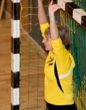 Joueurs non identifiés de handball dans l'action Photos libres de droits