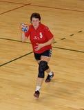 Joueurs non identifiés de handball dans l'action Images libres de droits