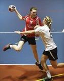 Joueuses de femmes d'équipe de handball Photographie stock