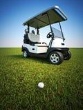 Jouez au golf la scène avec la boule d'or sur le fairway et le chariot à l'arrière-plan illustration stock