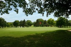 Jouez au golf la soute de parcours ouvert et de sable Image libre de droits