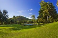 Jouez au golf la zone à l'île Praslin, Seychelles Photo stock