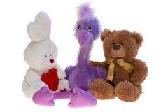 Jouez l'ours de nounours, l'autruche et le lapin ensemble. Photos stock