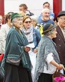 Jouez la production sur la rue au festival Co Anteim de Glenarm images stock