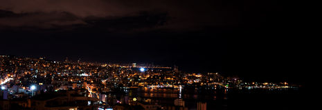 Jounieh και Βηρυττός τή νύχτα στοκ φωτογραφία με δικαίωμα ελεύθερης χρήσης