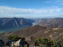 Jour brillant d'automne au-dessus de la vallée de Danube images stock