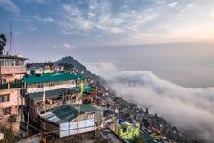 Jour brumeux de Darjeeling photographie stock libre de droits