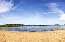 Jour d'été au lac Photo stock
