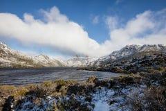 Jour d'hiver au lac dove, montagne de berceau, Tasmanie photo libre de droits