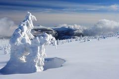 Jour d'hiver en montagnes géantes Photo libre de droits