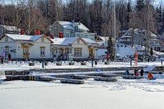 Jour d'hiver ensoleillé à Lahti, la Finlande Photographie stock