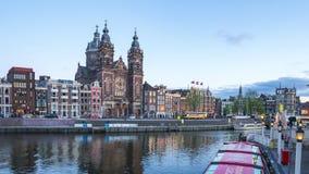 Jour d'horizon d'Amsterdam à la faute de nuit dans la ville d'Amsterdam, Pays-Bas banque de vidéos