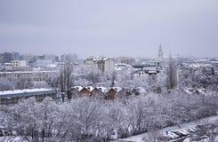 Jour dans la ville après chutes de neige, Pologne Images libres de droits