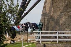 Jour de blanchisserie au moulin à vent Image stock