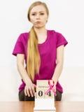 Jour de cancer du sein de femme et du monde sur le calendrier Photos stock