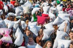 Jour 2015 de combat d'oreiller Image stock