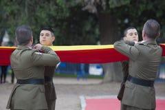 Jour de forces armées Abaissement de drapeau Photo libre de droits