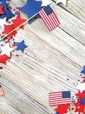 Jour de la Déclaration d'Indépendance, célébration, patriotisme et concept américains de vacances - drapeaux et étoiles sur la 4è Images libres de droits
