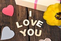 Jour de mères actuel d'amour de cadeau de lettre je t'aime Images stock