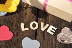 Jour de mères d'amour de présent de cadeau d'amour de lettre Images libres de droits