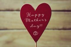 Jour de mères heureux de coeur et de textes Photographie stock libre de droits