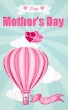 Jour de mères heureux et ballon à air chaud Photos stock