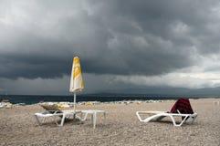 jour de plage pluvieux Photographie stock