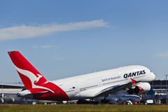 Jour de Qantas de l'air 380 vers le haut Photos stock
