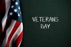 Jour de vétérans des textes et drapeau américain photos libres de droits