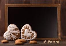 Jour de valentines avec des biscuits de pain d'épice Image stock