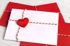 Jour de valentines de courrier d'enveloppe, coeur de rouge de lettre de Valentine s Image libre de droits